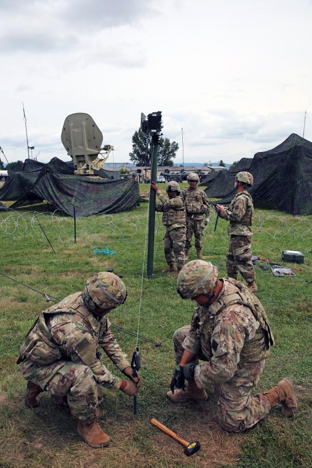 Army Signal Soldiers innovate communications solution to enable mission command