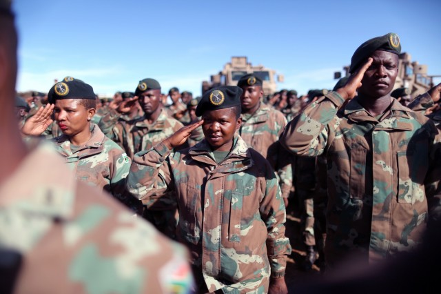 U.S., South African troops kick off Shared Accord 2017 with ceremonial tribute