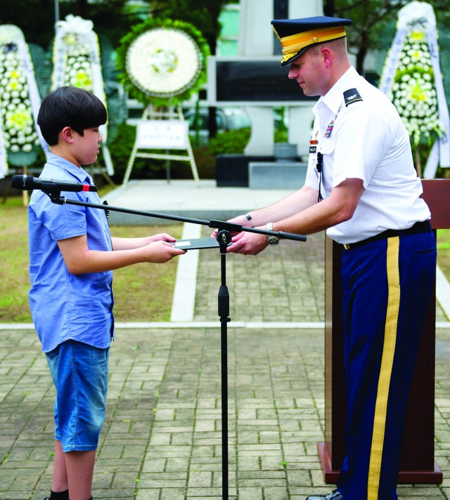 Soldiers, Citizens honor the fallen from the Battle of Cheonan