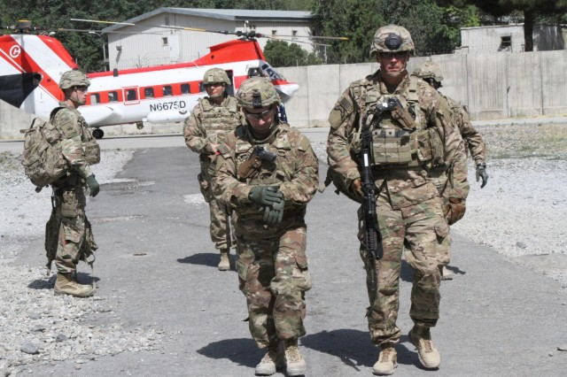 Col. Michael Lalor and Command Sgt. Maj. Sean Howard, command team for the 1st Armored Division Resolute Support Sustainment Brigade, conducted battlefield circulation in Kabul, Afghanistan July 12. During the circulation, the command team visited the Soldiers from the 746th Combat Support Sustainment Battalion and the 136th CSSB.