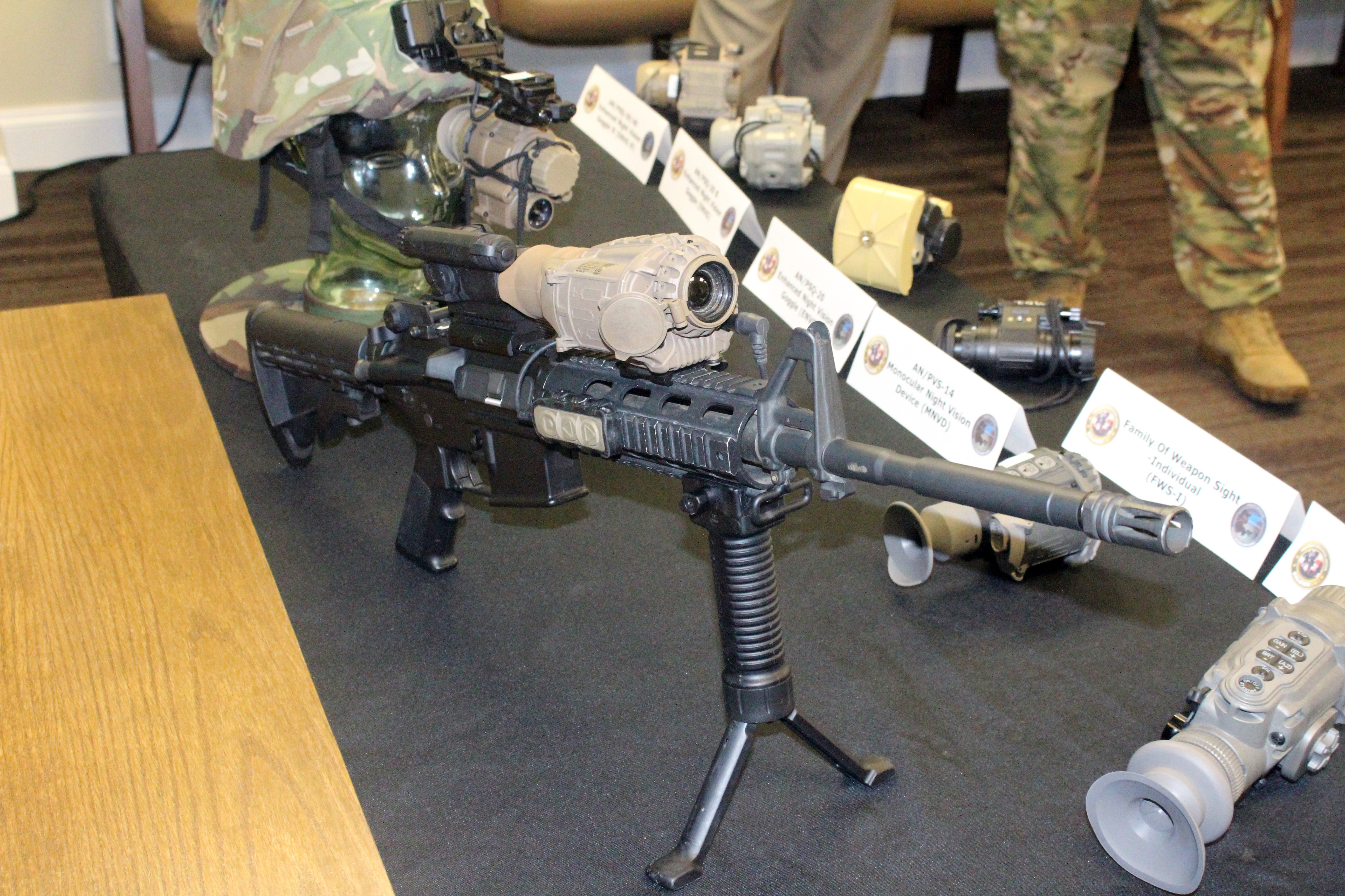 army aims to field new weapon sight that wirelessly pairs with night