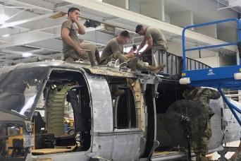 New York aviation mechanics turn wrenches to support Northeast UH-60 fleet