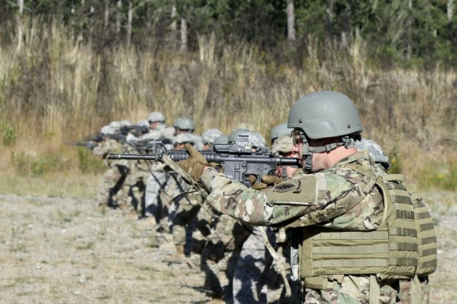 Soldiers from Group Support Battalion, 1st Special Forces Group (Airborne) conduct weapons training at Range 43 during Enabler Integration Program on Joint Base Lewis-McChord on July 17, 2017.