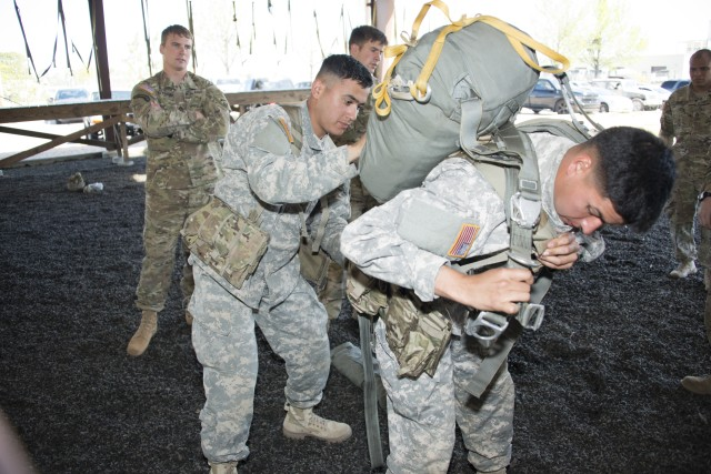 Sappers test fighting load carrier unique to paratroopers