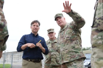 NBC News' chief foreign correspondent visits 35th ADA Brigade