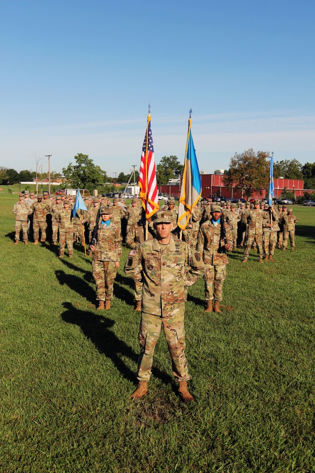 780th Mi Brigade Marks Change In Its Keeper Of The Colors Article The United States Army