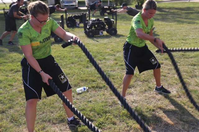 Soldiers use pulling to develop core power in PT exercise
