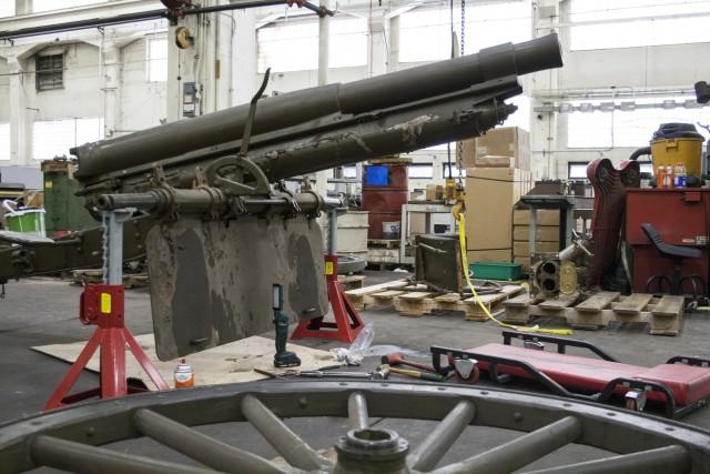RIA-JMTC refurbishes museum gun