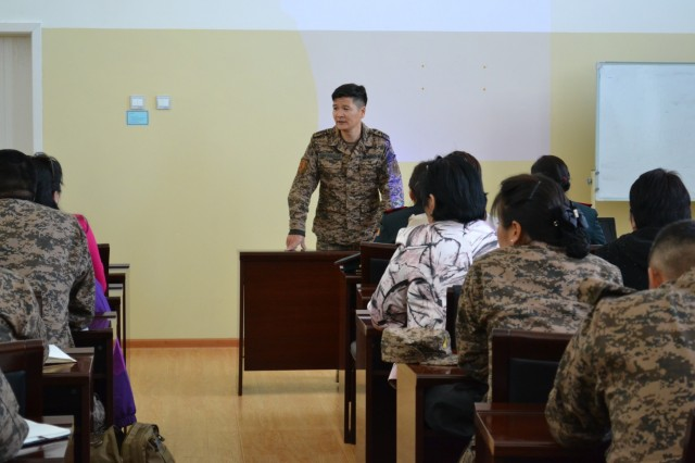 Leading Sgt. Major O. Bayasgalan speaks to civilian and military nurses from the Military Medical Center of Mongolia, Ulaanbaatar, Mongolia, Sept. 18-22, 2017. Regional Health Command-Pacific nurses worked alongside Mongolian civilian and military nurses during the second iteration of a subject matter expert exchange.