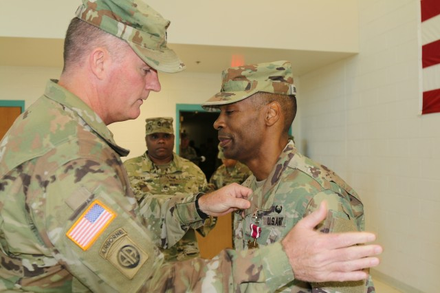 Army Cyber HHC passes leadership torch to new commander ...