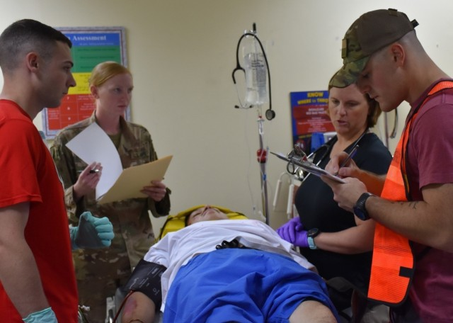 Camp Buehring 86th CSH holds MASCAL Exercise