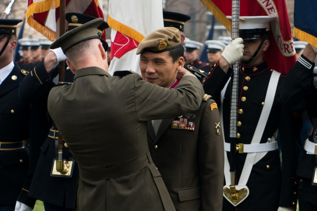 Singapore Chief of Defense Full Honors Arrival
