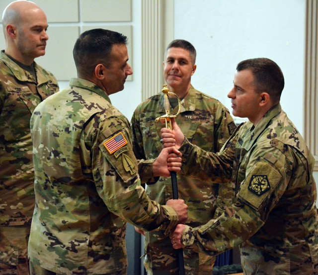 704th Military Intelligence Brigade hosts change of responsibility