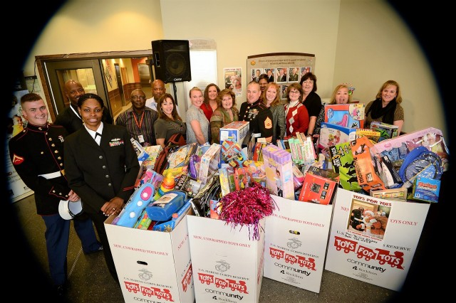 Employees From U S Army Installation Management Command Deliver Toys To The Marine Corps Reserve
