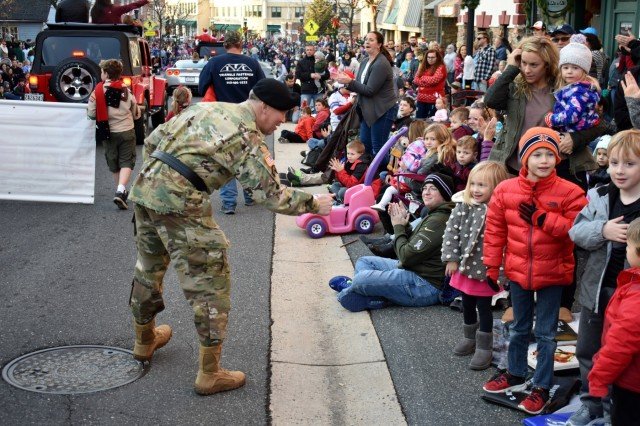 Defenders serve as role models during Bel Air Christmas Parade