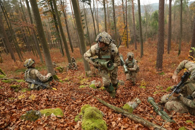 British soldiers of the 1st Battalion, Royal Regiment of Fusiliers advance their position while conducting a reconnaissance mission during exercise Allied Spirit VII at the U.S. Army's Joint Multinational Readiness Center in Hohenfels, Germany, Nov. 8, 2017.