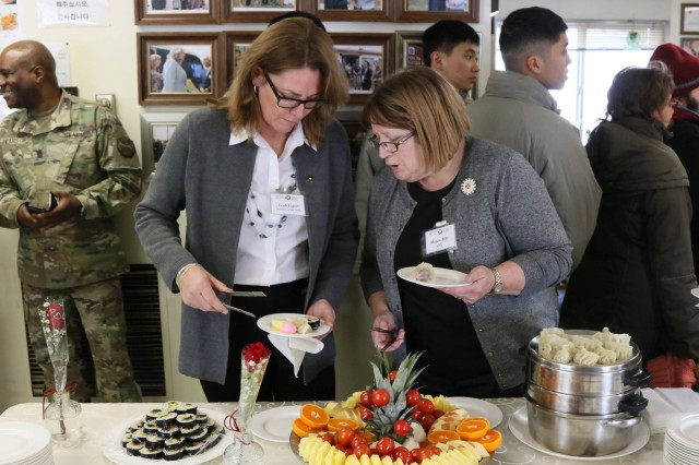 Mrs. Leah Esper, spouse of Secretary of the Army Mark T. Esper, has lunch with Soldiers and spouses at the Korean Augmentation to the U.S. Army (KATUSA) snack bar at U.S. Army Garrison Humphreys, Jan. 9, 2018.