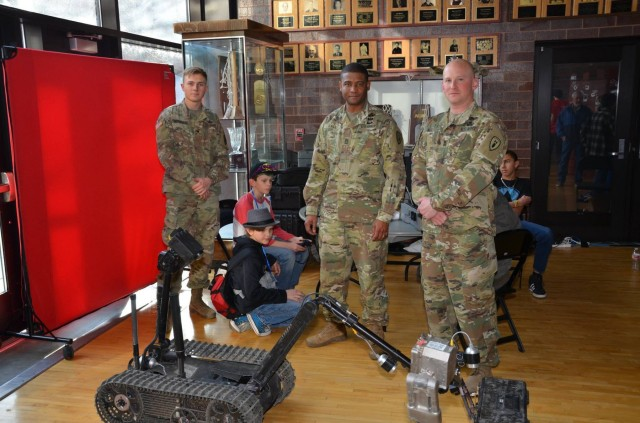 71st EOD inspires next generation of robotics engineers