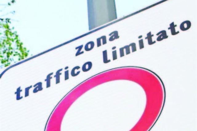 Personnel with ZTL passes for downtown Vicenza must renew before expiration.