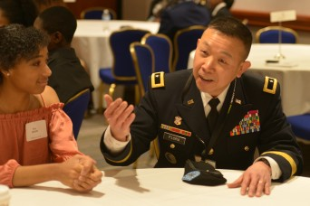 With focus on tech and science, Army senior leaders mentor students