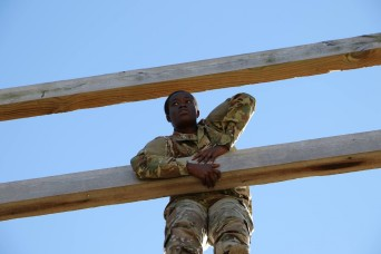 'Durable' Soldier from Ghana trains for air assault school
