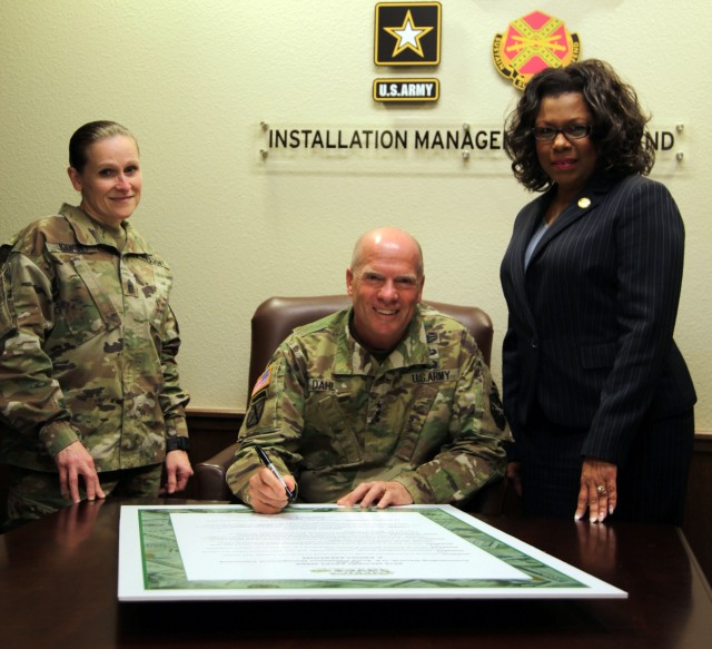 Signing the Military Saves Week proclamation