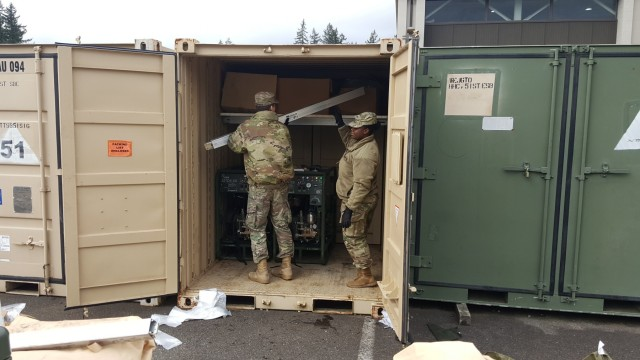 51st ESB Headquarters Soldiers Re-evaluate Load Plans