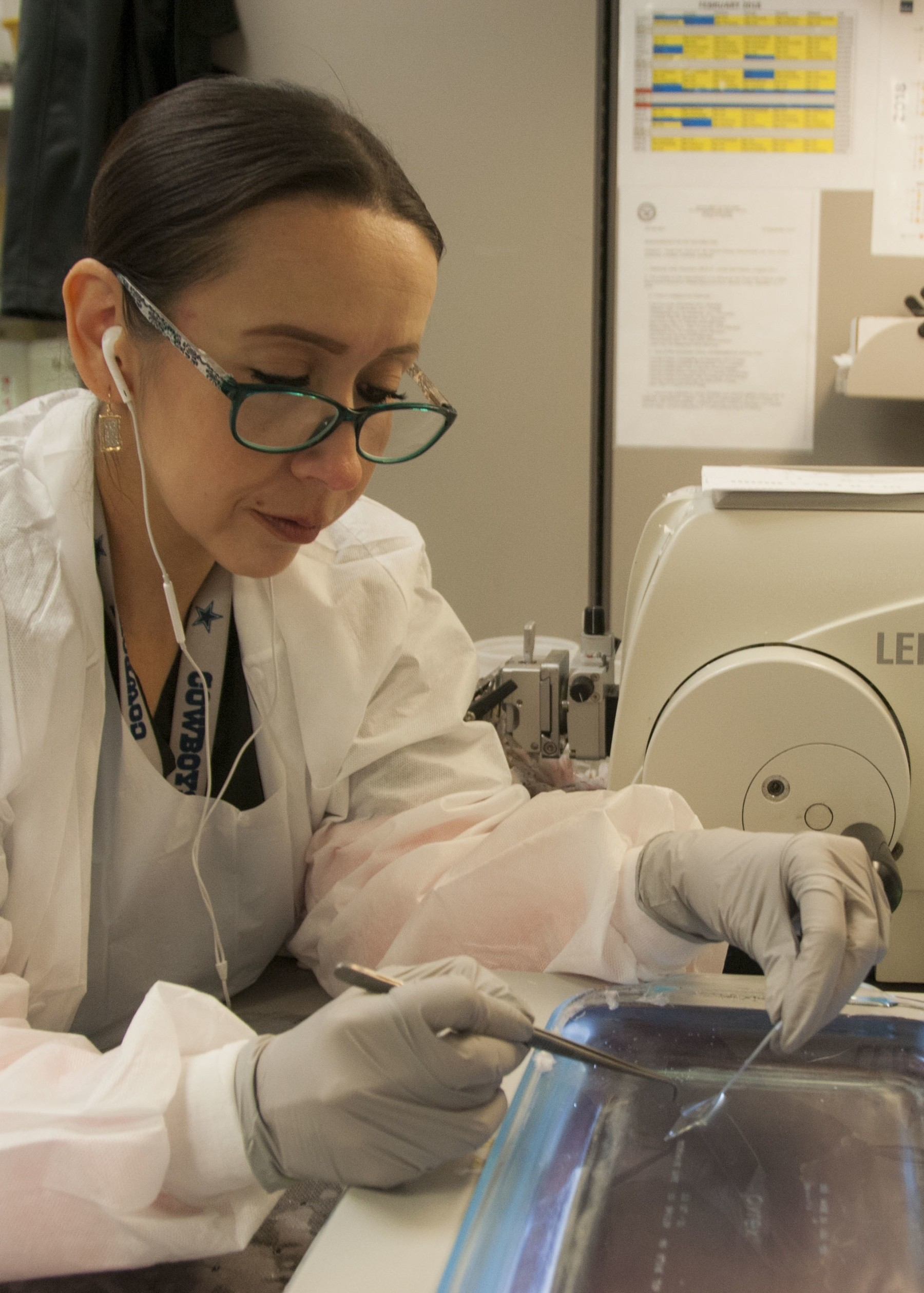 Wbamc Histology Techs Care Beyond The Surface Article The