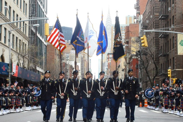 "New York Army National Guard Soldiers from 1st Battalion, 69th Infantry Regiment once again led the country's largest St. Patrick's Day Parade in New York, March 17. This is the 165th time the ""Fighting 69th"" has led the world's largest St. Patrick's Day Parade. The 1st Battalion, 69th Infantry Regiment first led the parade in 1851."