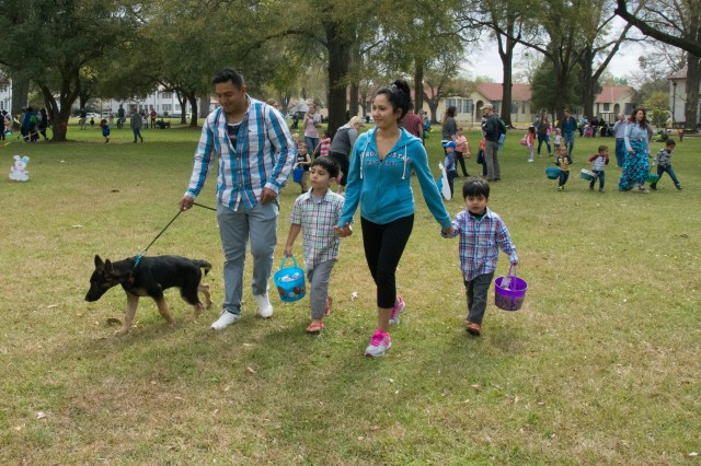 FORT BENNING, Ga. (March 26, 2018) -- Families participated in the Fort Benning EGGstravaganza March 25 on the Riverside lawn at Fort Benning, Georgia. (U.S. Army photo by Megan Garcia, Maneuver Center of Excellence, Fort Benning Public Affairs)