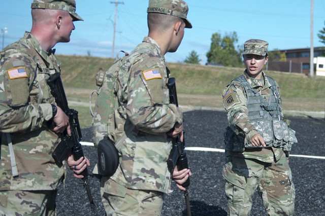 Staff Sgt. Justine Bottorff gives instruction to basic training Soldiers during Drill Sergeant of the Year competition at Fort Leonard Wood, Missouri, in September 2017.