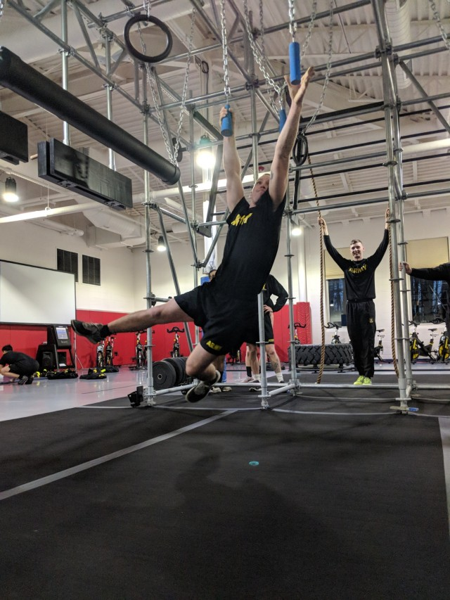 Fort Drum Soldiers get a grip on new functional fitness rig