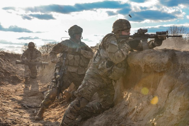 Paratroopers assigned to Alpha Company, 1st Battalion, 508th Parachute Infantry Regiment participate in a Squad Live Fire Exercise at Fort A.P. Hill, Va., March 14, 2018.