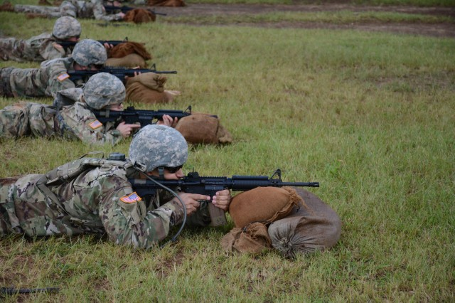 Soldiers assigned to the 500th Military Intelligence Brigade-Theater engage their targets during the weapons qualification event of the Brigade's Best Warrior competition Mar. 26-29, 2018 on Schofield Barracks, Hawaii.