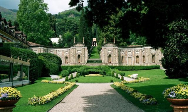 Carrarese Castle's Gardens