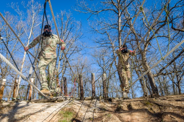 The 2018 Lt. Gen. Robert B. Flowers Best Sapper Competition opened April 16 with a nonstandard physical fitness test and obstacles at the physical endurance course at Fort Leonard Wood, Missouri.
