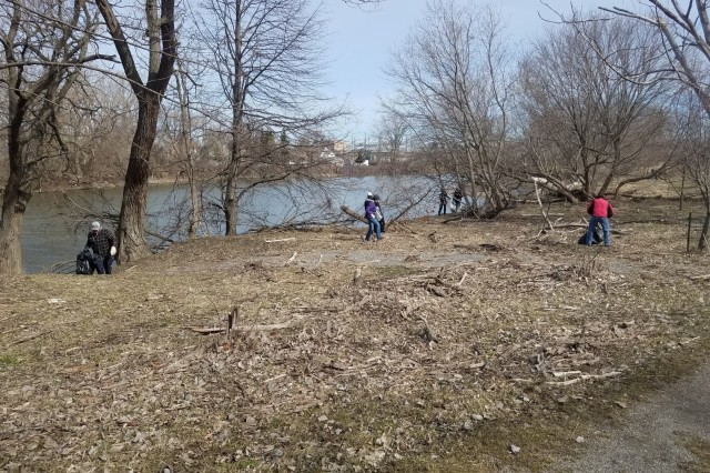 Volunteers with Buffalo Niagara Waterkeepers cleanup Seneca Bluffs Park on Earth Day, Apr. 21, 2018. The park is the site of a U.S. Army Corps of Engineers, Buffalo District habitat restoration project. (Photo by Katie Lewis, USACE Buffalo District)