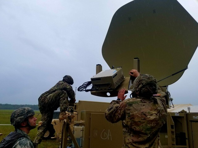 C Company, 67th ESB Provides Signal Support to 1-58th AOB