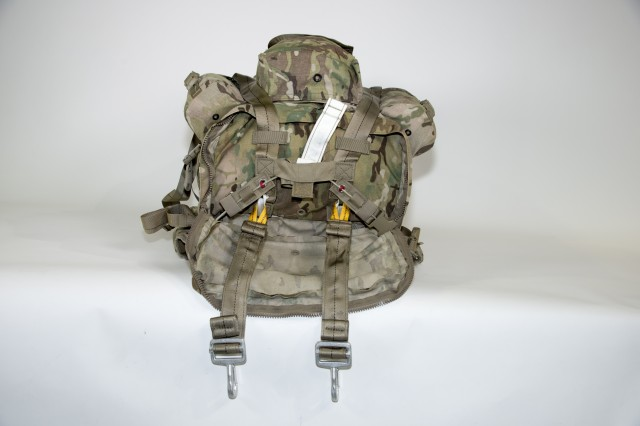 The Modular Lightweight Load-Carrying Equipment (MOLLE) 4000 with the integrated Harness Single Point Release, which secures the ruck sack to the jumper for static line operations.