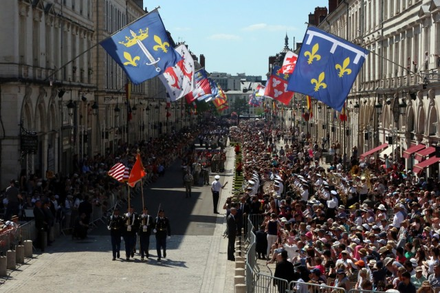 U.S. Army Soldiers assigned to the 52nd Strategic Signal Battalion, 2nd Theater Signal Brigade, march in a military parade marking 589 years since Joan of Arc freed the city of Orleans from the English in the Hundred Years War, May 8, 2018 in Orleans, France. (U.S. Army photo by William B. King)