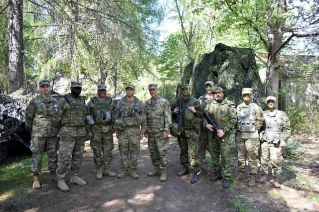 Maj. Gen. John L. Gronski, Deputy Commanding General for Army National Guard, U.S. Army Europe, visits Estonian Defense Forces and Md. Guard soldiers from the 629th Expeditionary Military Intelligence Battalion and 20th Special Forces Group May 12th during Exercise HEDGEHOG 18 in Southern Estonia. Photo By U.S. Army Maj. Kurt M. Rauschenberg, 58th EMIB Public Affairs Officer.
