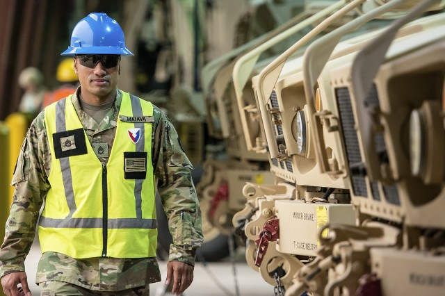 401st Army Field Support Brigade issues first 'configured for combat' equipment set from APS-5