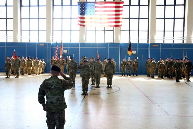 New commander takes charge of the 102nd Strategic Signal Battalion