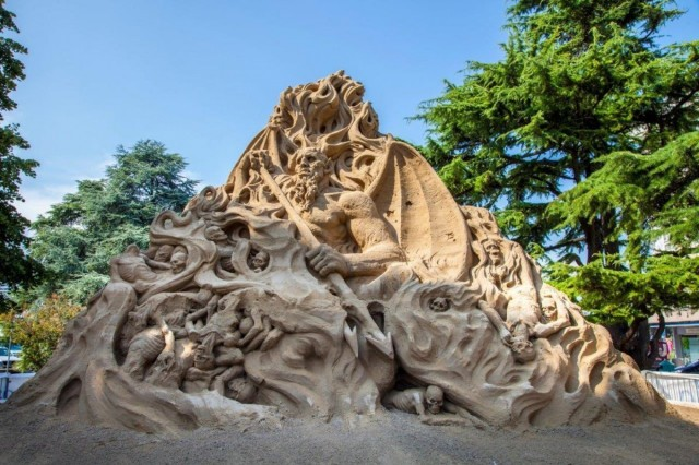"Sand Sculptures Festival June 2- Sept. 9, Jesolo, Piazza Brescia; this year's theme is ""Sand Raptors"";  international artists take part in this special event; they compete in shaping every kind of artistic figure with fine golden sand; free entrance."