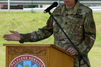 Charpentier relinquishes responsibility as LRMC command sergeant major
