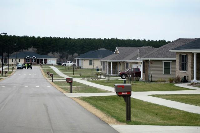 Fort McCoy Family Housing earns Platinum Award for high customer satisfaction