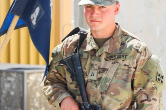 History repeats: Son follows father's footsteps into Army service