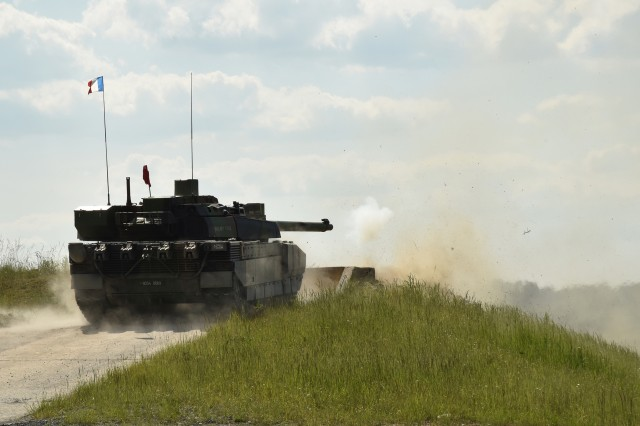 France's 1er Régiment de Chasseurs (1st Hunter Regiment) conducts the defensive operations lane using the Leclerc during the Strong Europe Tank Challenge, held at 7th Army Training Command's Grafenwoehr Training Area, June 4, 2018.