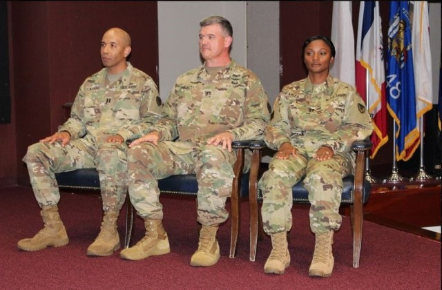 HHC AMCOM Soldiers have new commander
