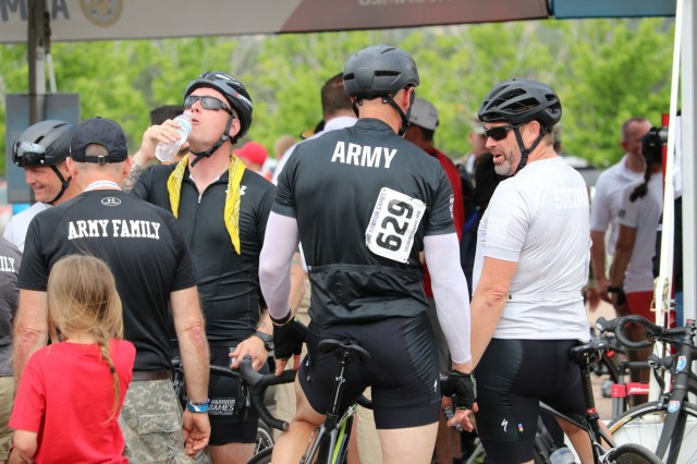 Team Army athletes cool down during a hot afternoon on the road during the cycling event June 6, 2018, at the U.S. Air Force Academy's Falcon Stadium at the 2018 Department of Defense Warrior Games.